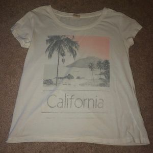 Cute and loose hollister shirt